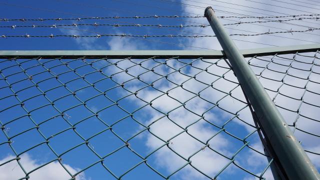 フェンス・柵2枚目 640x360サンプル