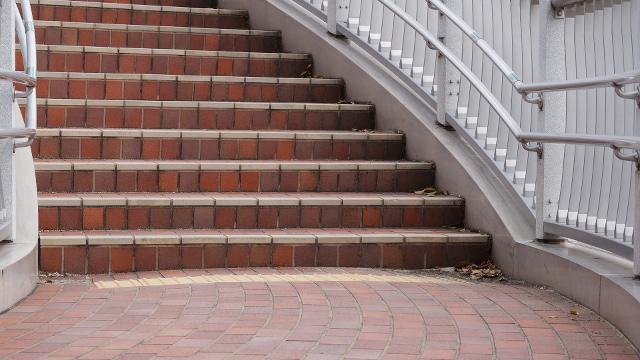 階段6枚目 640x360サンプル