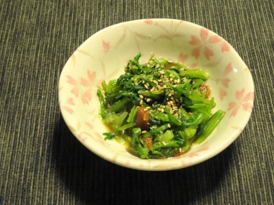 菊菜とニンニクの胡麻和え