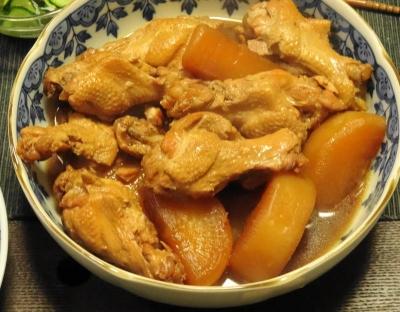 鶏手羽(げんこつ)の煮込み