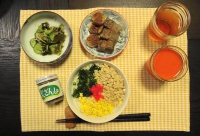 鶏そぼろ飯の夕食