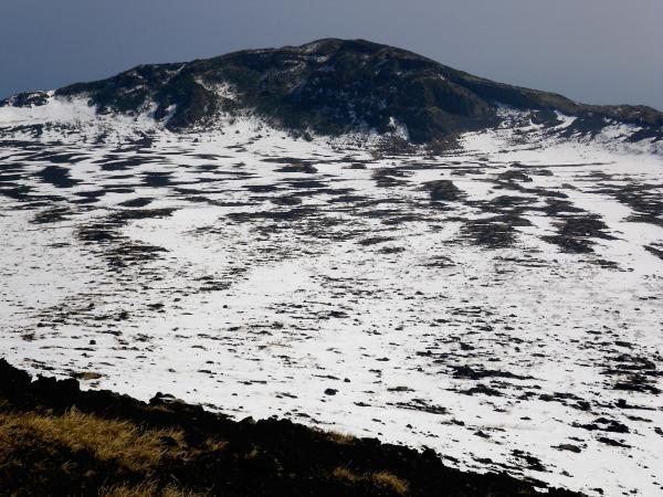 カルデラと白石山