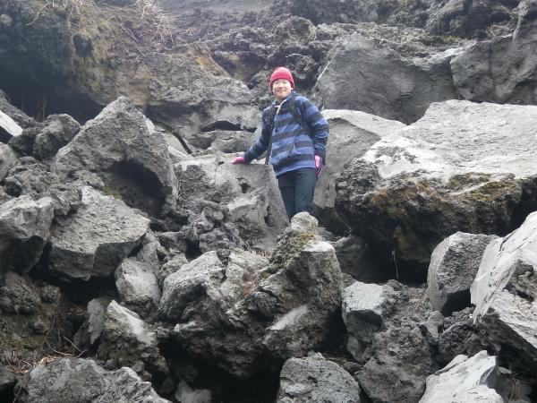 櫛形山を直登しましたが強風で稜線は歩けません