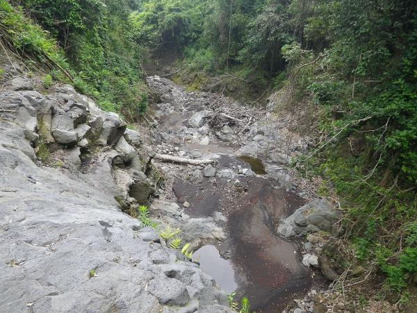 佐久川→下高洞 は「びゃく」(山津波)で集団移住した元町の歴史があります(伝承)