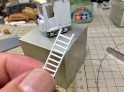 140818_railvan_ladder.jpg