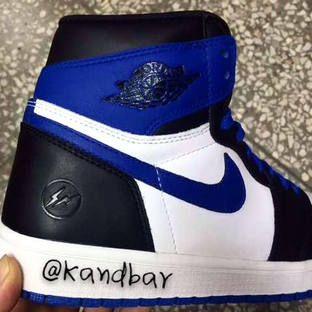 gragment-design-air-jordan-i-1-black-blue-02.jpg