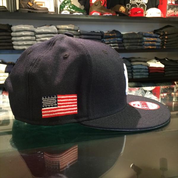 growaround_newera_yankees_smallusflag_navy2.jpg