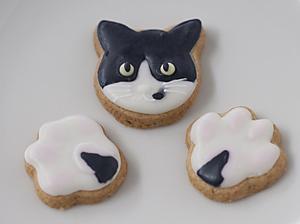 顔と肉球クッキー