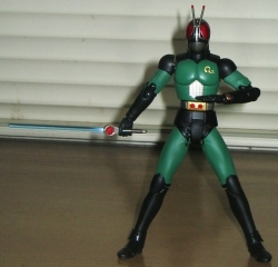 S.H.フィギュアーツ仮面ライダーBLACK RX(勝利ポーズ)