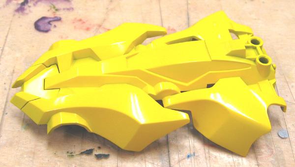 シャドウブレイカーに黄色塗ったよ