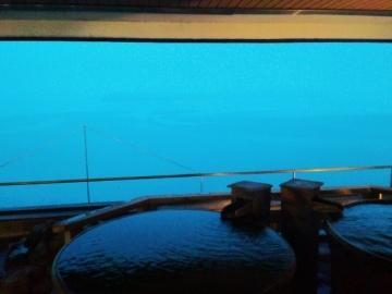 朝焼けの洞爺湖