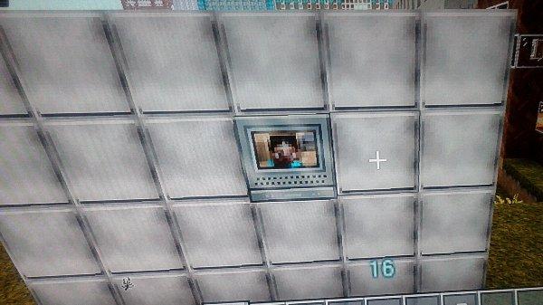 おや?スティーブがテレビに写ってますね。使い次第ではインターホンモニタにも使えるかな!?