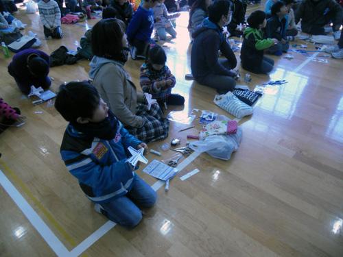 午前中の切り紙飛行機教室3