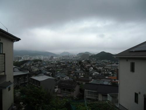 雨もすこーし、降ってます。