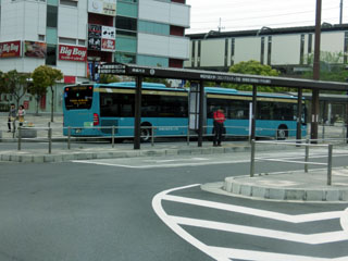 京成のドイツ製連接バス 海浜幕張駅ロータリーにて