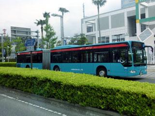 京成のドイツ製連接バス