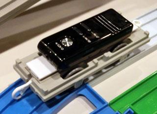 小型カメラを搭載したカメラ搭載用コキ台車