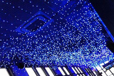 東京タワーの青い空