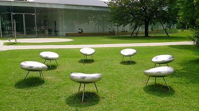 21世紀美術館 外