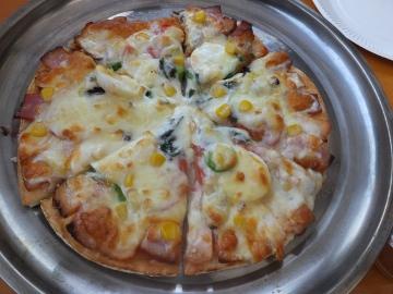 ピザ焼きソフィーも6