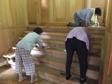 神社、夏の大掃除2