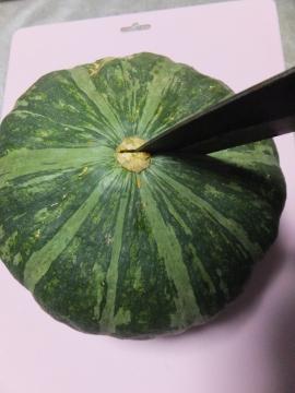 かぼちゃ簡単に切れます3