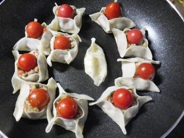ミニトマト餃子2