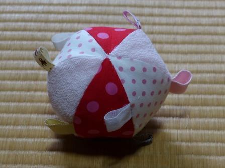 赤ちゃん用タグつきボール 1