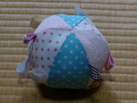 赤ちゃん用タグつきボール 2