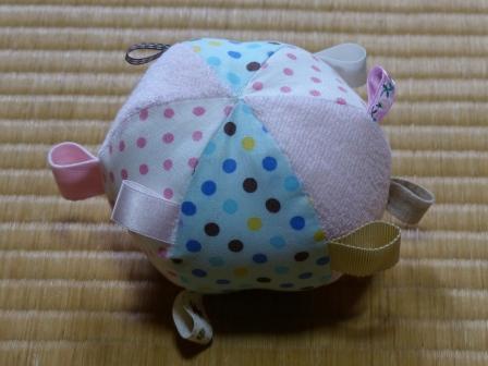 赤ちゃん用タグつきボール 3