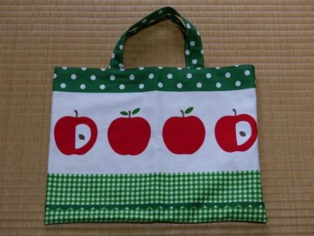 りんご柄 手さげバッグ