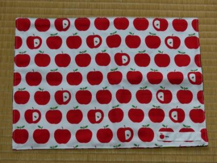 りんご柄 ランチョンマット 2