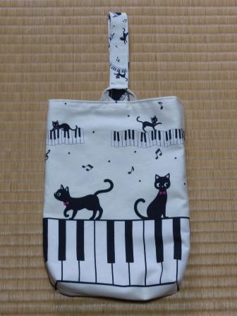 ピアノ・猫柄 くつ入れ