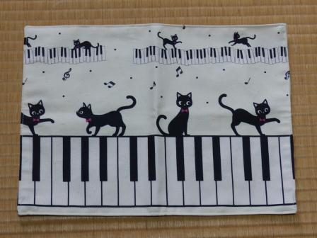 ピアノ・猫柄 ランチョンマット 1