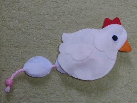引っぱるおもちゃ ニワトリさん 2