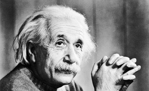 アインシュタインは7歳まで文字が読めなかった!