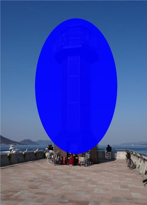 香川県に世界初のガラスの灯台がある