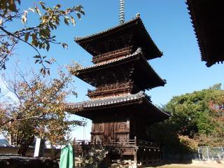 本蓮寺三重塔