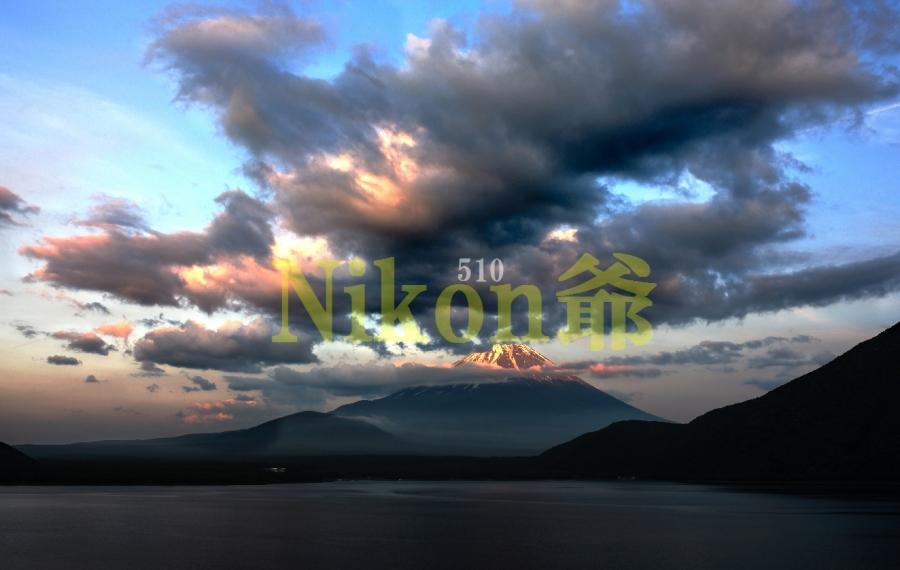 本栖湖 雲と焼けS