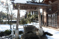 木曽三社神社・手水舎と祓殿②