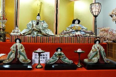 ひなの里⑤日本一大きい壱番親王と三官女