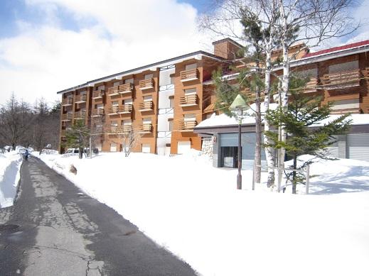 ホテル全景雪14