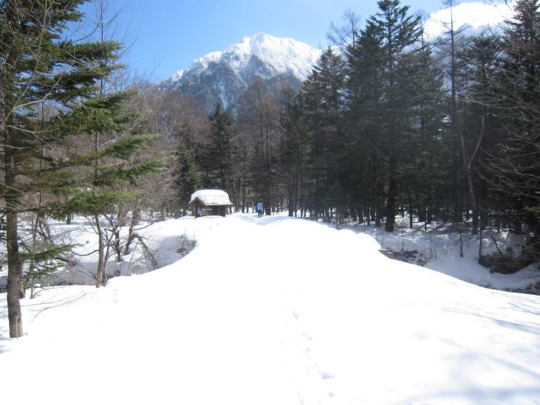 穂高・田代橋雪の下