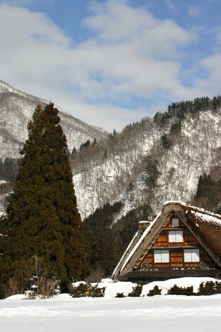 スキーやスノボーはちょと。。でも雪を楽しみたい!! 雪景色 世界遺産 白川郷合掌集落を見てみたい!! そんな方にはピッタリの冬旅行です ①