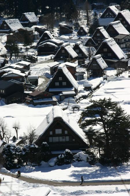 スキーやスノボーはちょと。。でも雪を楽しみたい!! 雪景色 世界遺産 白川郷合掌集落を見てみたい!! そんな方にはピッタリの冬旅行です ⑥