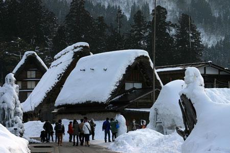 景色が素晴らしいと有名な世界遺産 白川郷でも一番綺麗な季節は冬と言れております~水墨画のような雪景色です~⑥