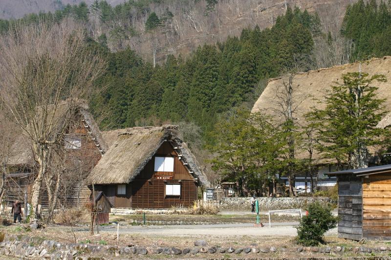 白川郷いよいよ桜の季節が到来!日本の春を満喫するならやっぱり桜&合掌造り風景 ⑦