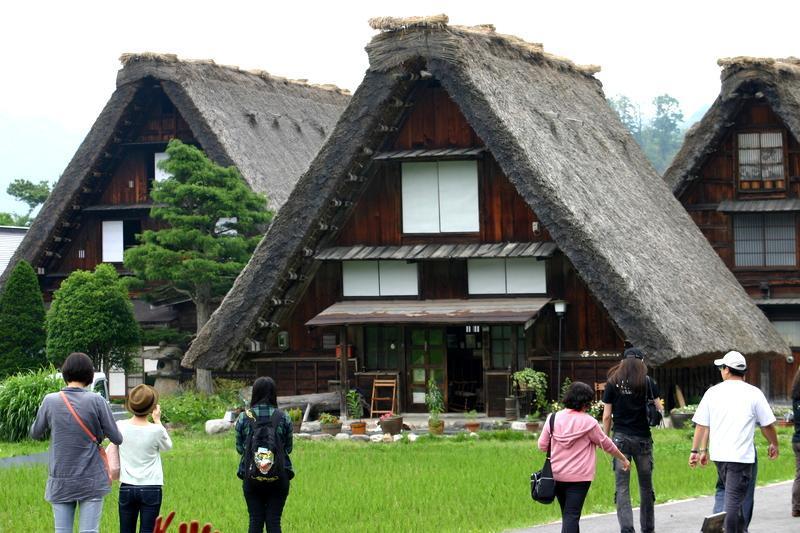 古き良き日本を感じる白川郷の合掌造り集落、良質な温泉も楽しめるスポットも点在~ゆったり流れる時間とともに、心落ち着く散策を~ ⑧