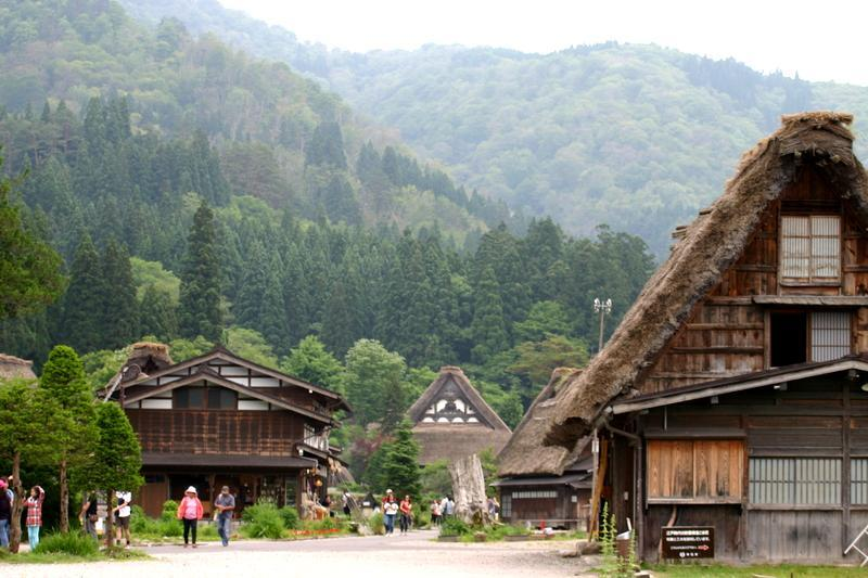 この梅雨が明ければ、季節は夏(^O^)/今年こそは前もって旅行計画をして充実した夏休みを。。世界遺産 白川郷 ⑥