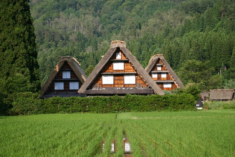 この梅雨が明ければ、季節は夏(^O^)/今年こそは前もって旅行計画をして充実した夏休みを。。世界遺産 白川郷 ⑧